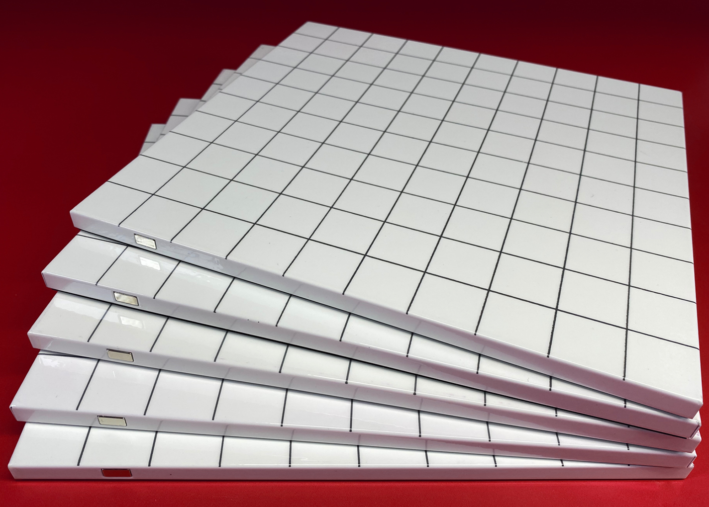 Grid stack spread red